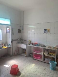 袁庄3组3室2厅2卫158m²简单装修17080