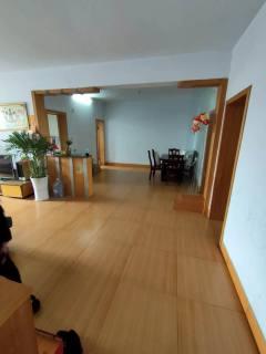 北关 三实小附近 中凯雅园斜对面135m²大二室 中装!