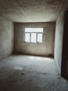 (东城)幸福天地2室2厅1卫49.9万92m²毛坯房出售